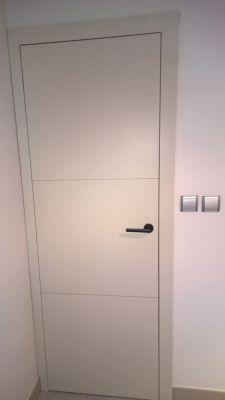 porte-interieure-affleurante-blanche-3-bandes-